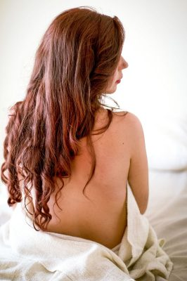 bedwoman-800px